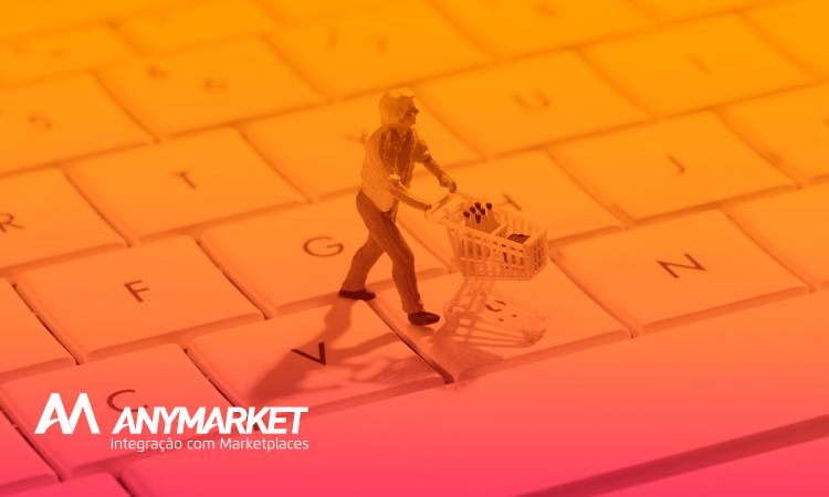 Boneco miniatura com carrinho de compras passeando sobre um teclado, simbolizando compras no marketplace Google Shopping