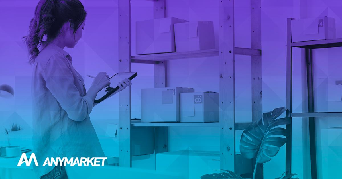 Lojista fazendo o enriquecimento de catálogo nos marketplaces
